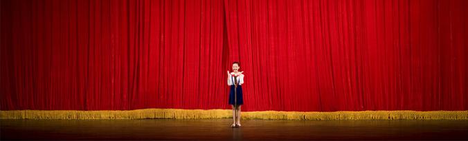 Eric Lafforgue - School girl performing in North Korea